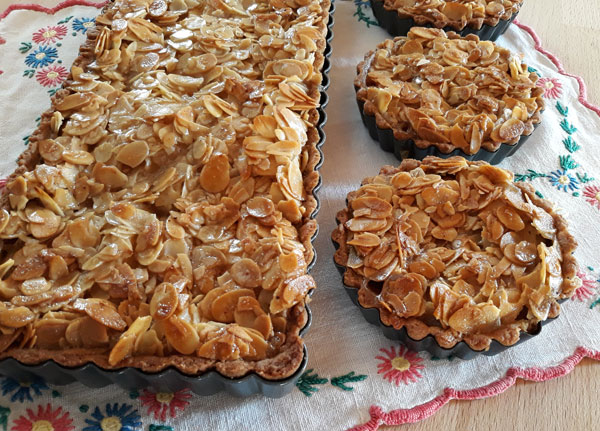 apfelkuchen-mandeltopping